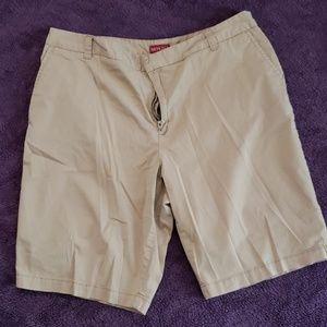 Women's Merona 16w Bermuda shorts